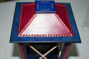 Светильник-ночник из натуральной кожи 95