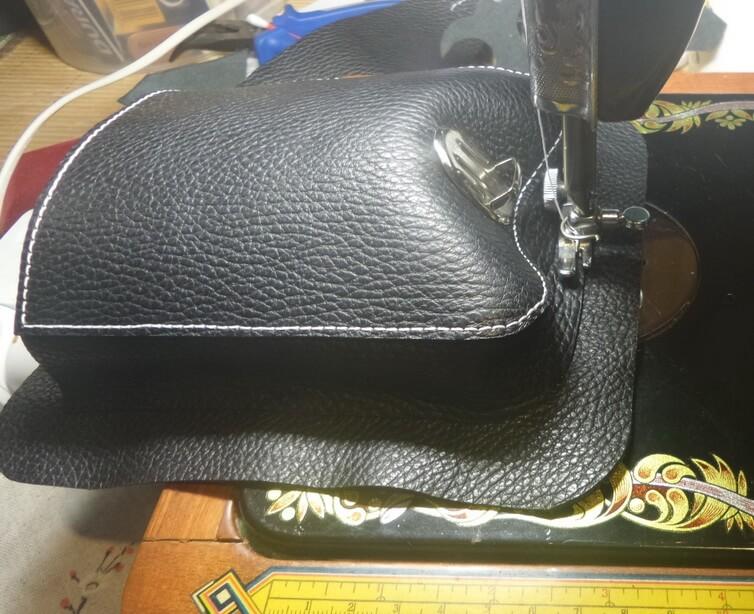 Кожаная сумка на бедро 31
