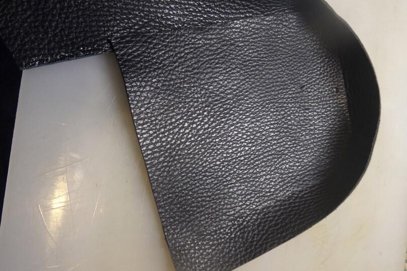 Кожаная сумка на бедро