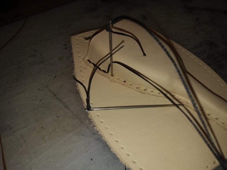 Кожаный чехол на ключ 8