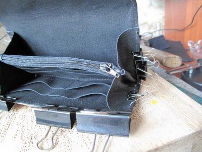 Кожаный кошелек с тиснением 26