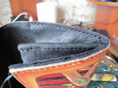 Кожаный кошелек с тиснением 28