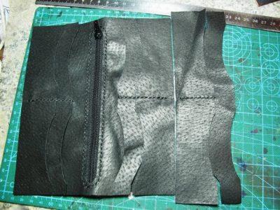 Кожаный кошелек с тиснением 7